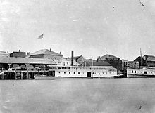 220px-William_Irving_(sternwheeler)_and_Geo_E_Starr_in_Victoria_BC_1880s_a_00154